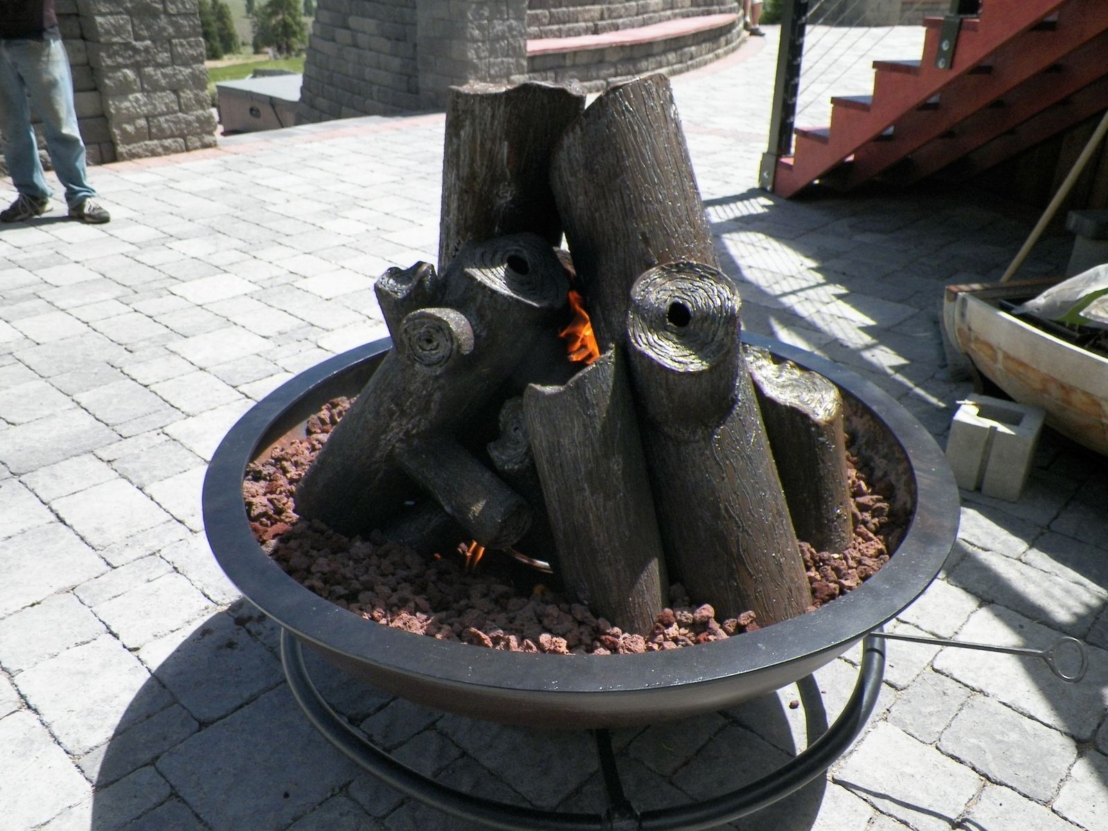 Custom Made Gas Fire Cauldron With Steel Logs