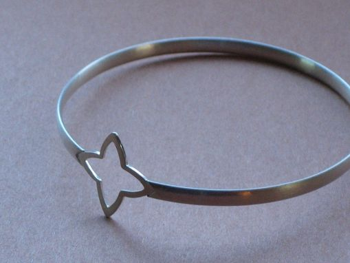 Custom Made Sterling Silver 4 Point Star Orbit Bangle