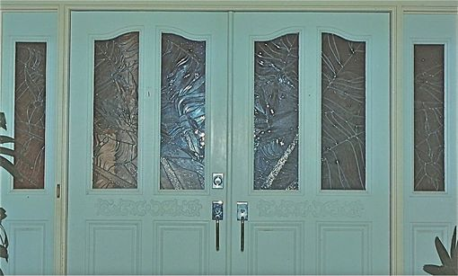 Custom Made Entryway Doors And Side Light Panels Featuring Textured Architectural Glass - Traveler's Palm Entry