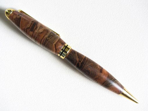 Custom Made Wooden Writing Pen - Europen Style - Gold Ball Top Twist Pen - Ambrosia Maple