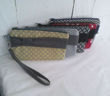 Custom Made Bridesmaids Bow Wristlet Clutch Set