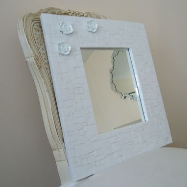 Custom Made Mosaic Decorative White Wall Mirror With 3 Flowers