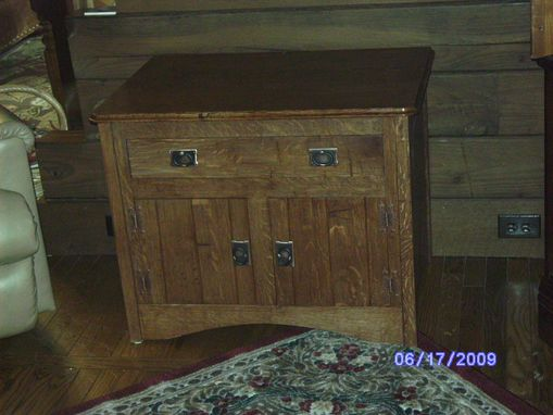 Custom Made Quarter Sawn White Oak End Table