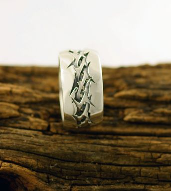 Handmade Crown Of Thorns Ring By Dhexed Custommade Com