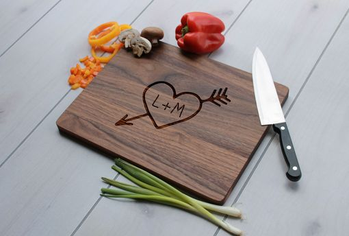 Custom Made Personalized Cutting Board, Engraved Cutting Board, Custom Wedding Gift – Cb-Wal-Heartinitials