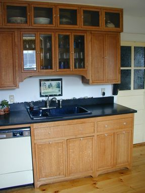 Custom Made Oak Arts And Crafts Style Kitchen