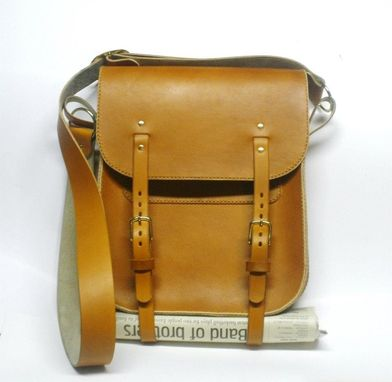 Custom Made Leather Messenger Currier Bags For Men And Women