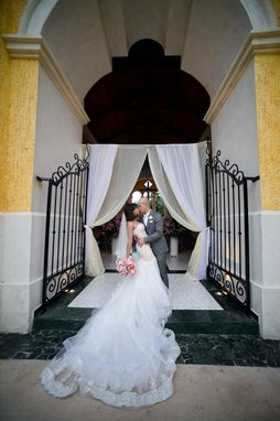 Custom Made Strapless Trumpet Wedding Gown With Horsehair Braid (Style # Pb115)