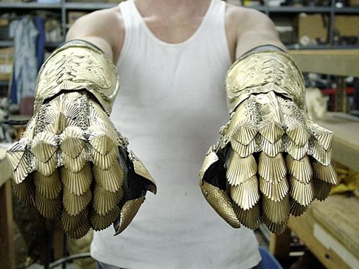 Custom Made Chronicles Of Riddick Gauntlets