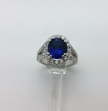 Custom Made Oval Classical Diamond Ring