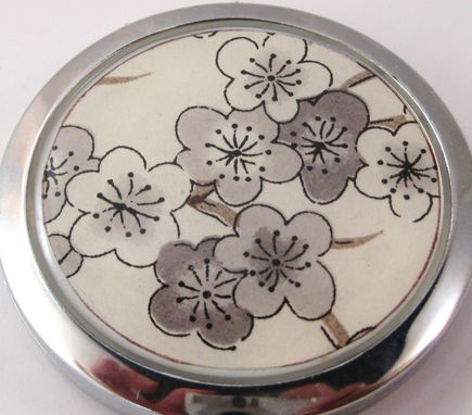 Custom Made Double-Sided Compact Mirror With Custom Paper Design