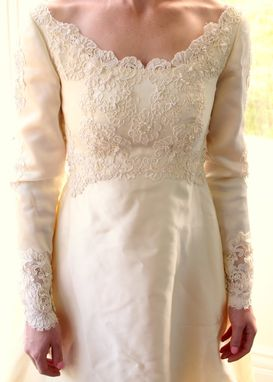 Custom Made Vintage 60s Wedding Dress In Satin And Alencon Lace Appliques Round Long Sleeve Xs Petite