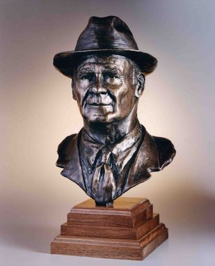 Custom Made Coach Tom Landry Bust (Signed On Collar)