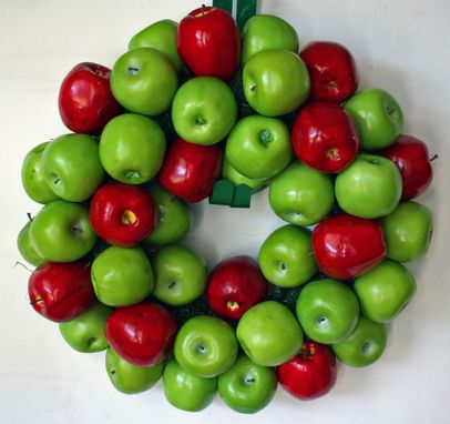 Custom Made Apple Wreath