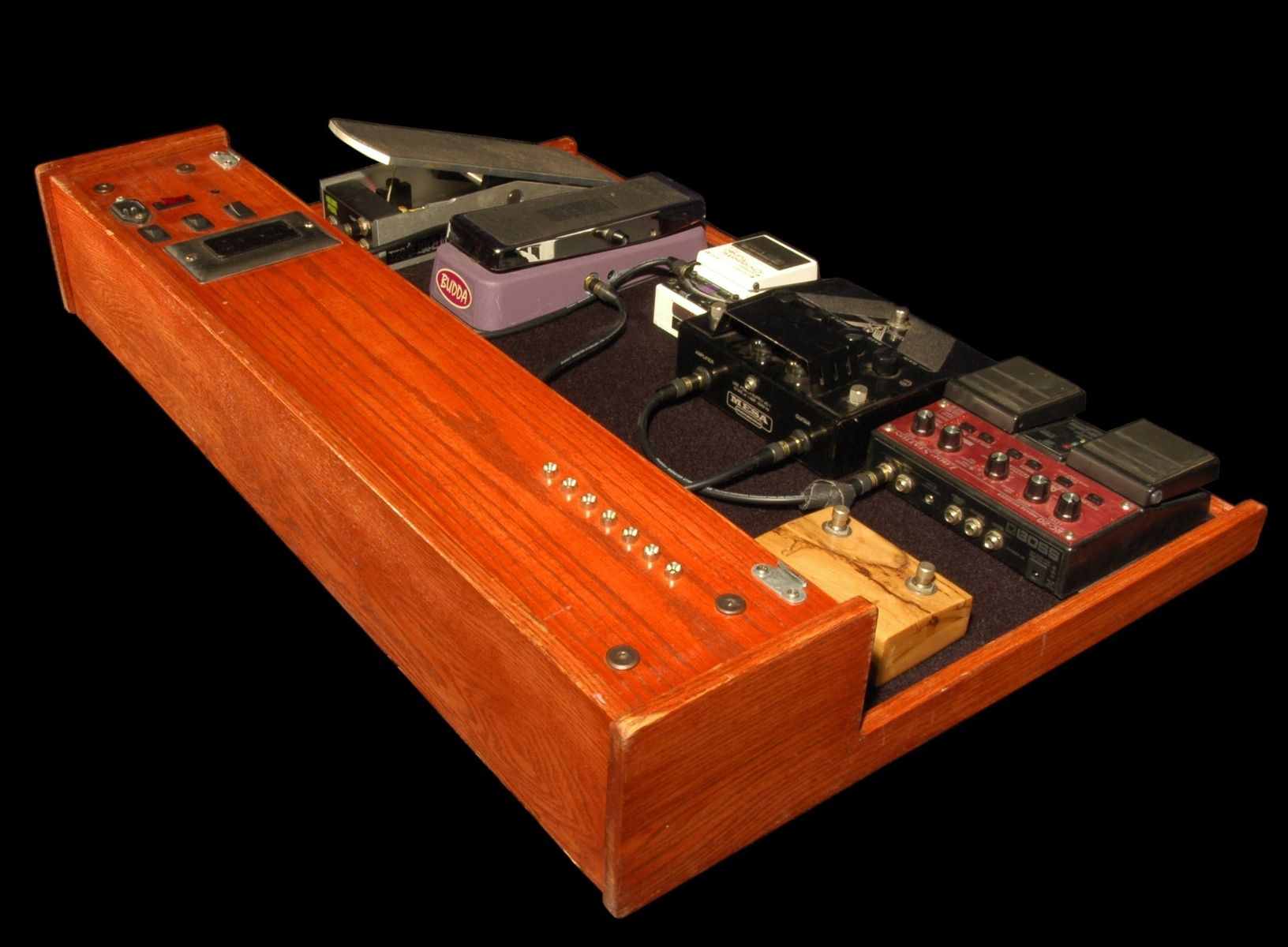 hand made pedal board by donoghue wood works. Black Bedroom Furniture Sets. Home Design Ideas