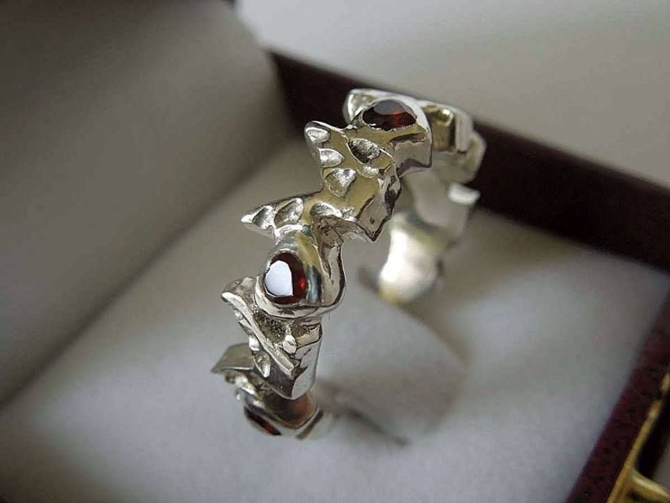 gold natural superhero engagement wedding rings garnet and luxury of black sapphire