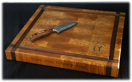 Custom Made End-Grain White Oak Cutting Board With A Walnut Accent (Butcher Style)