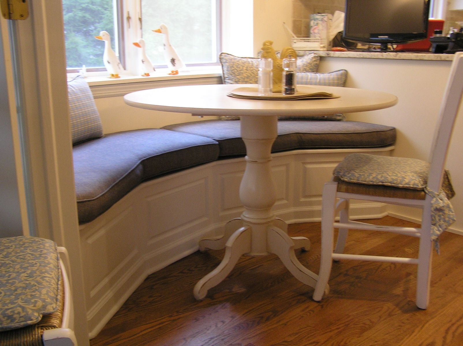 hand made banquette for kitchen madison nj by cabinetmaker