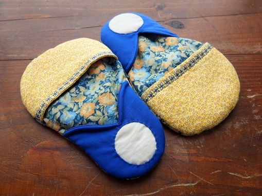 Custom Made 2 Matryoshka Pot Holders Microwave Oven Mitts Blue/Yellow Vintage Country Folk Handmade
