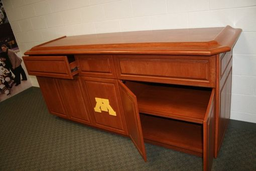 Custom Made Buffet - Minnesota Gophers