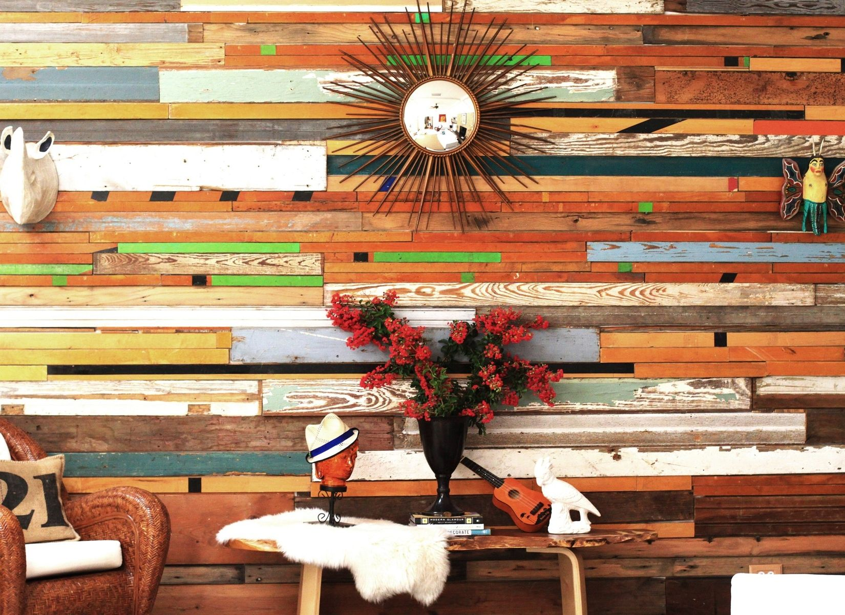 Hand made reclaimed wood wall installations by r r for Decoracion para pared vintage