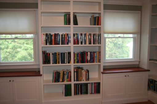 Custom Made Library, Partial View