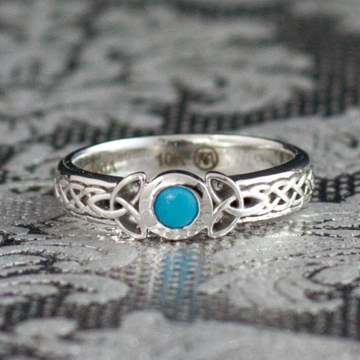 Trinity Knots And Turquoise A Wonderful Unmon Bination: Modern Irish Wedding Rings At Websimilar.org