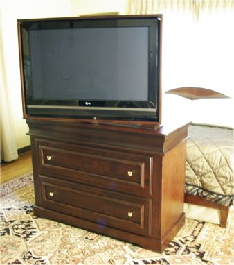 Custom Made Maple Console Tv Lift With Swivel