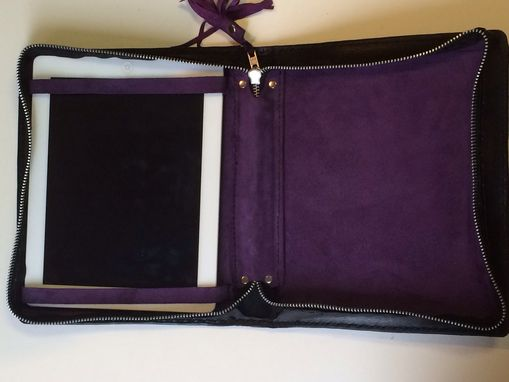 Custom Made Leather Tablet Zipper Case Celtic Trinity Knot