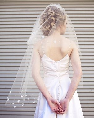 Custom Made Wedding Veil With Scattered Vintage Flowers, Modern Veil, Wedding Hair Accessory
