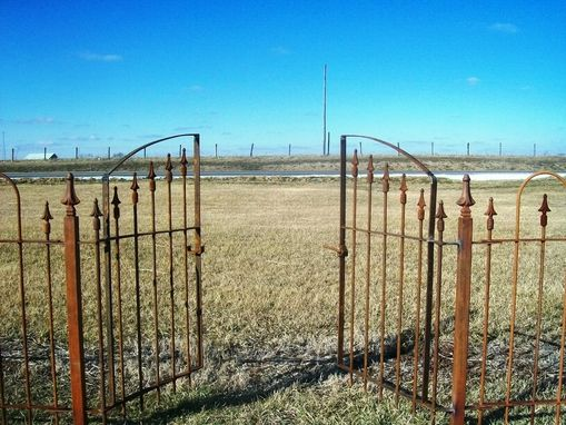 Custom Made Easy To Install Fence & Gates That Keep Your Children & Animals Safe 4 Heights