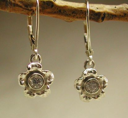 Custom Made Sterling Silver Forget-Me-Not With/Cz Lever Back Earring