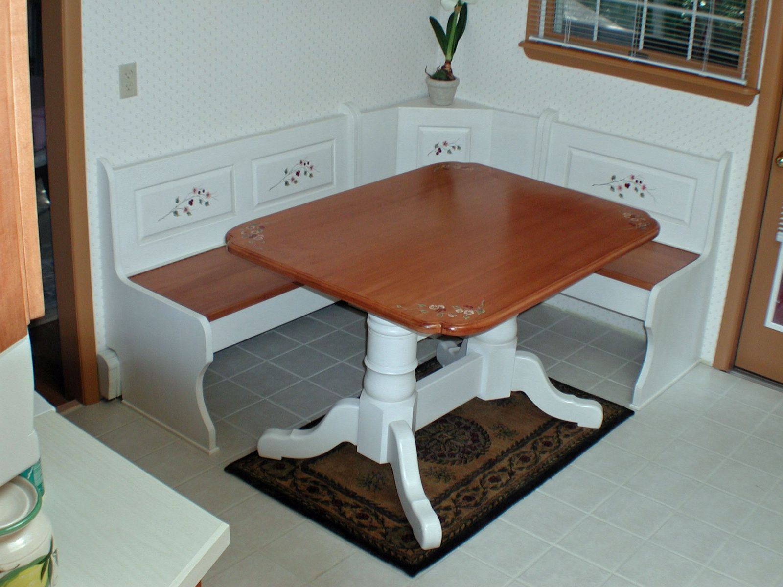 Built In Corner Dining Table - Table Ideas