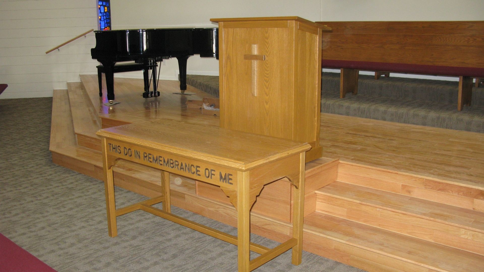 handmade a church communion table and pulpittom's handcrafted