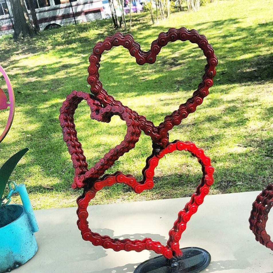 Custom made bicycle chain art heart sculpture by raymond for Recycled yard decorations