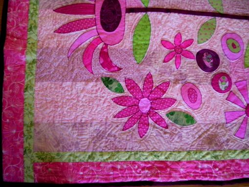 Custom Made Crazy Daisy Quilt