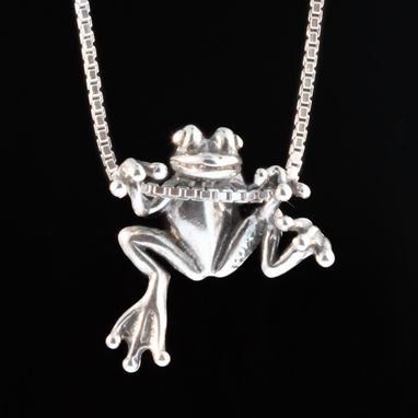 Custom Made Silver Tree Frog Pendant