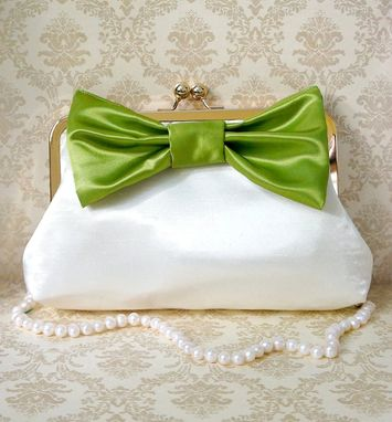 Custom Made Elegant And Chic Clutch Purse With A Big Bow