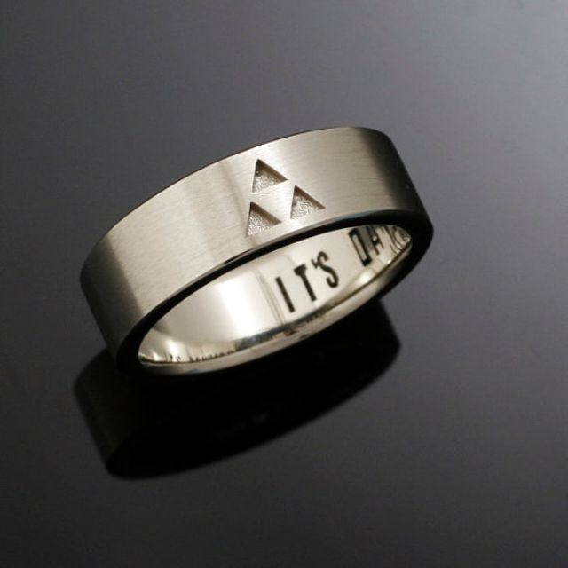 14kt gold triforce band - Zelda Wedding Ring