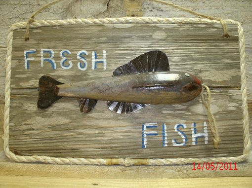 Custom Made Fish Decoys And Decorative Fish Lures