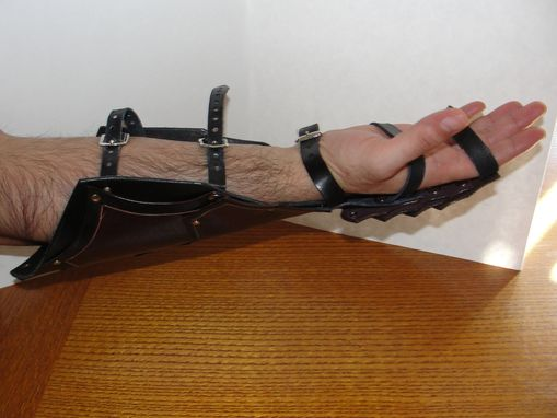 "Custom Made 'Top Grain Leather Medieval Gauntlet"" (Pair)"