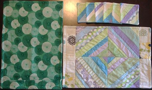 Custom Made Coordinating Set Of 4 Placemats And 6 Coasters - Spring