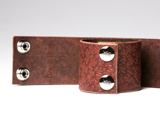 Custom Made Chestnut Leather Bondage Cuffs - Steel Rings - Nickel Fasteners