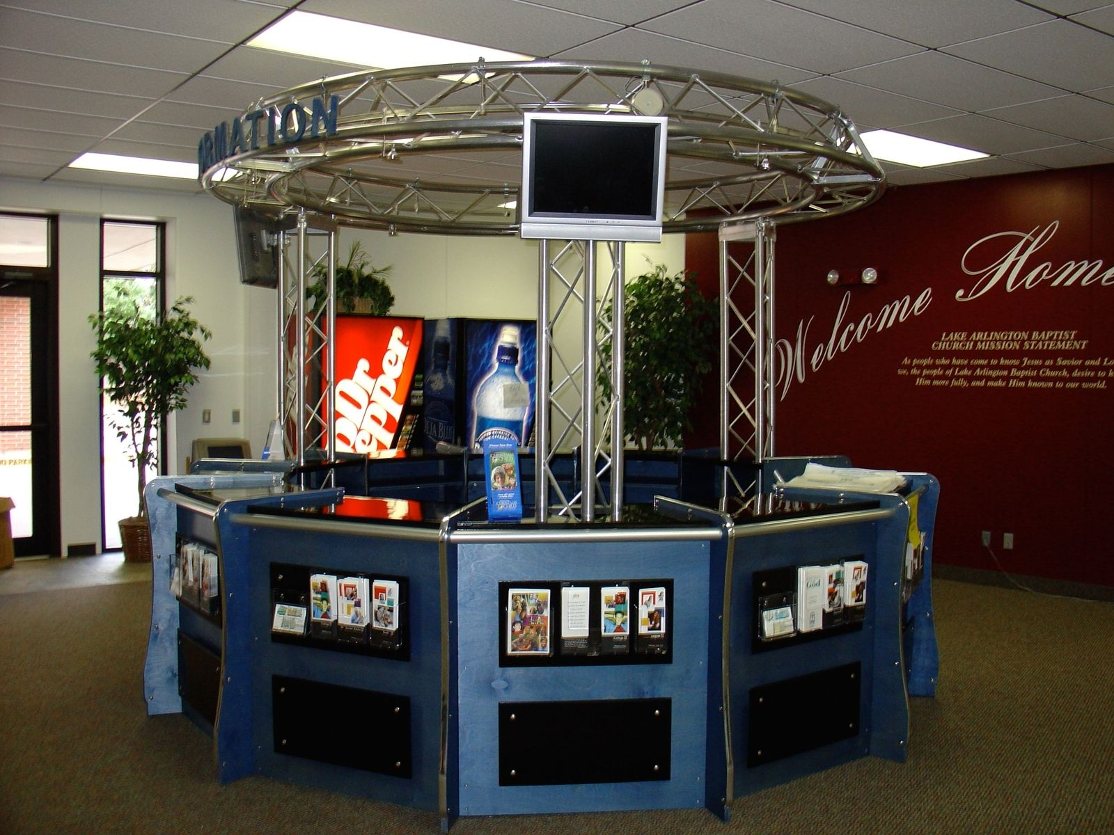 Custom Made Full Circle Welcome Center With Truss By