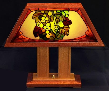 "Custom Made ""Chardonnay,"" An Art-Glass Table Lamp"