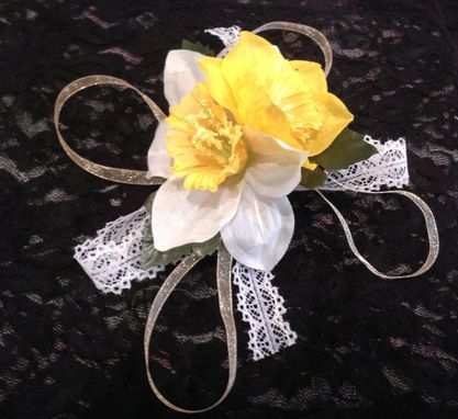 Custom Made Yellow And White Daffodil Barrette Hair Piece.