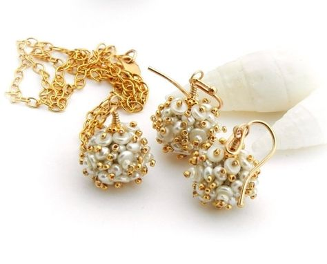 Custom Made Wedding White Pearls Necklace And Earrings