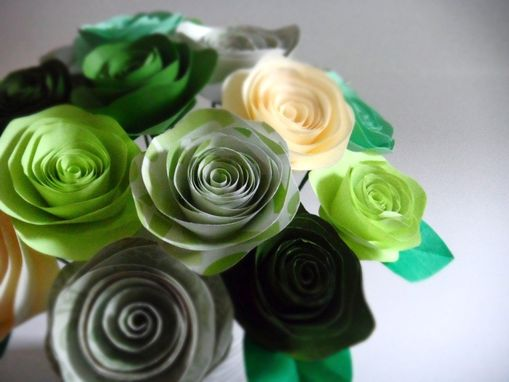 Custom Made Spiral Paper Roses - Kiwi Bouquet