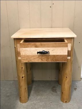 Custom Made Continuous Grain Drawerfront On This Nicely Sized Nightstand.