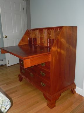 Custom Made Penn. Desk, Solid Mahogany, 4 Drawers, Hand Cut Dovetails
